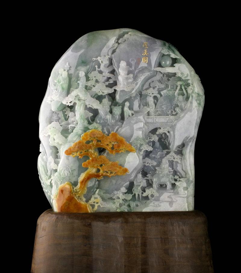 由中国玉石雕刻大师汪德海先生匠心潜运,亲力设计,其弟子刘海明精雕
